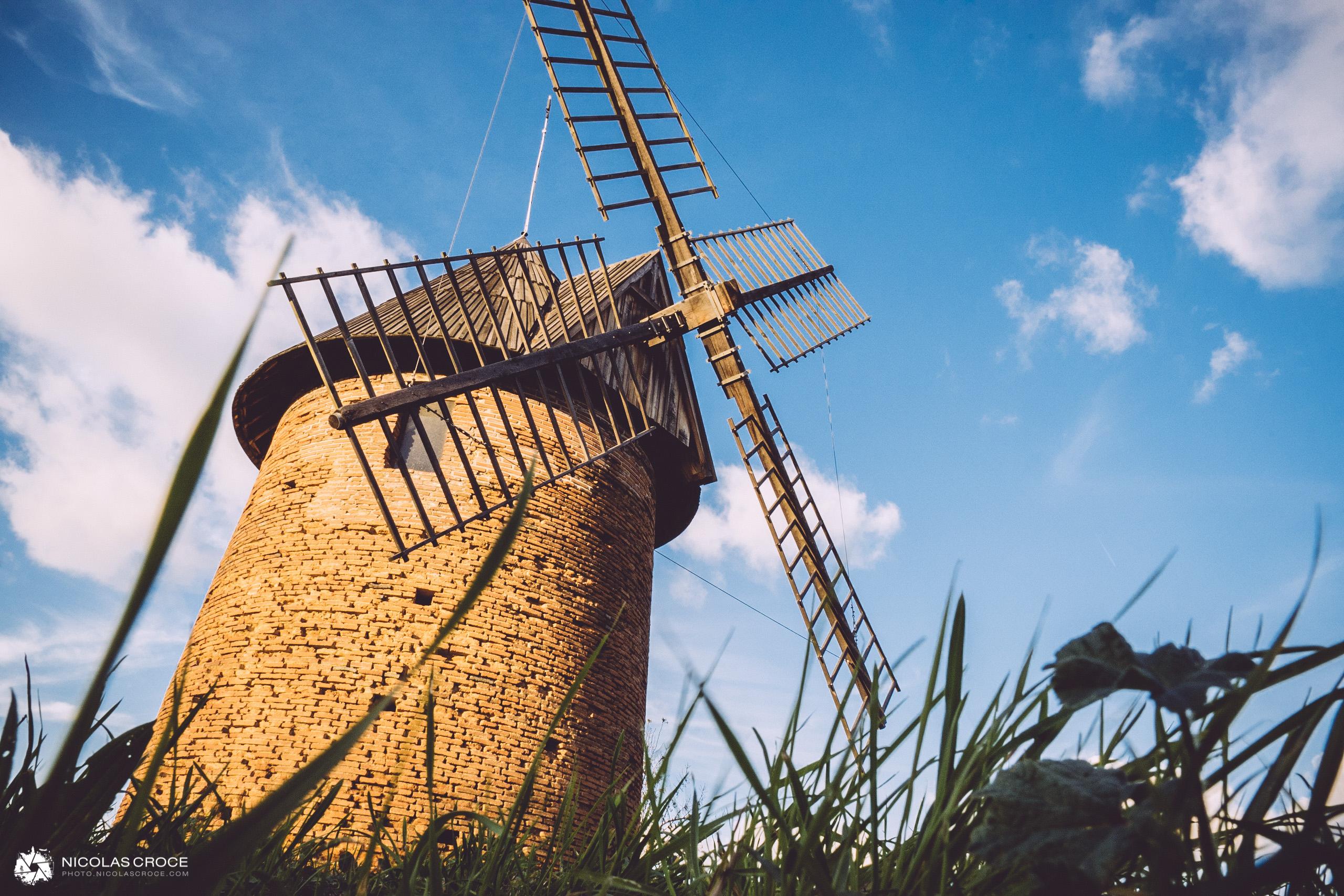 Le moulin à vent de saint-martin-du-touch